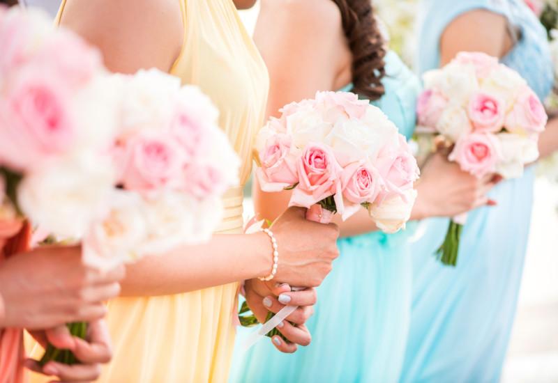ルクシュール ドレス レンタル 結婚式